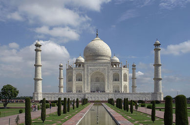 The Taj Mahal is only one of many reasons retirees visit India
